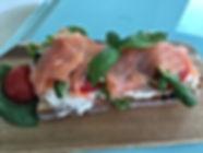 Tartines de chèvre frais et saumon