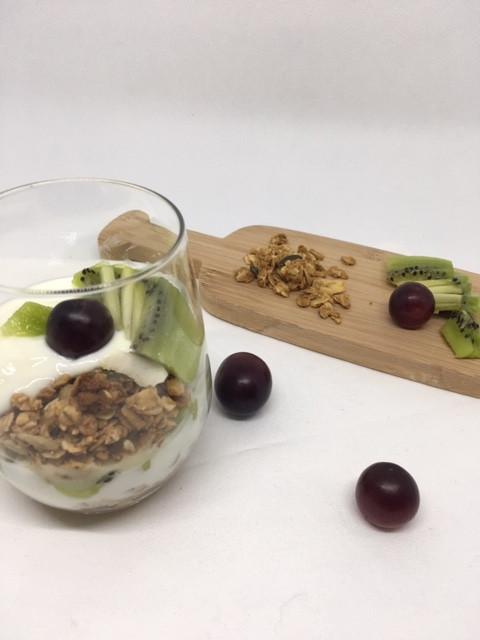 Yaourt granola kiwi raisin