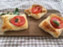 petits feuilletés tomates-mozzarella