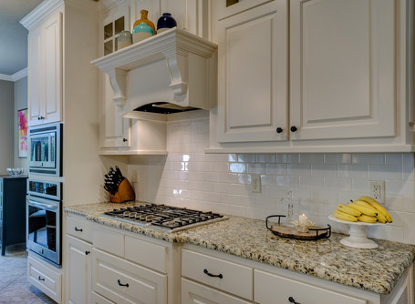 5 TYPES OF CABINET FINISHES YOU SHOULD KNOW ABOUT.
