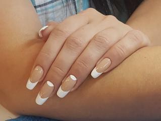 Работы учеников с курса по моделированию ногтей гелем.