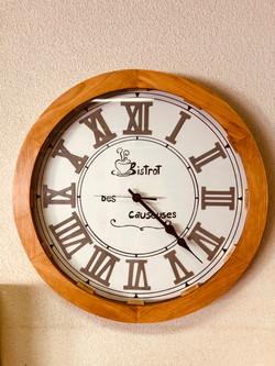 "Horloge ""Bistrot des Causeuses"""