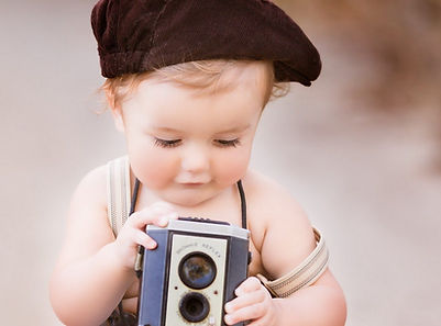 Cute-baby-have-modern-camera-wallpapers.