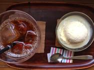 紅茶も茶葉拘ってます。アイスなら濃いめに淹れたものを急冷します。フレッシュな香りを楽しめます。