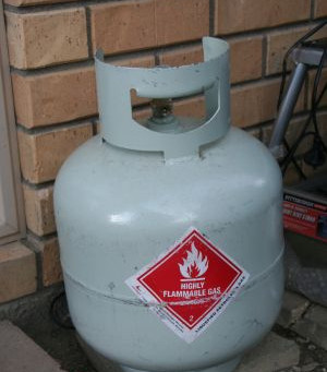 Hiding 9KG Gas Bottles Used for Indoors