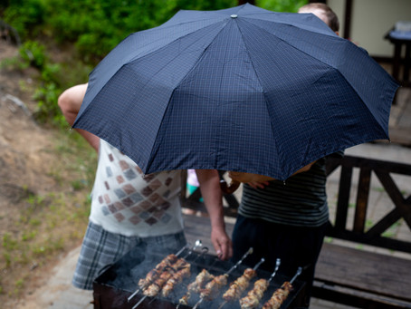 Hideawayz BBQ Shelter - BBQ's in Bad Weather Are Gone!