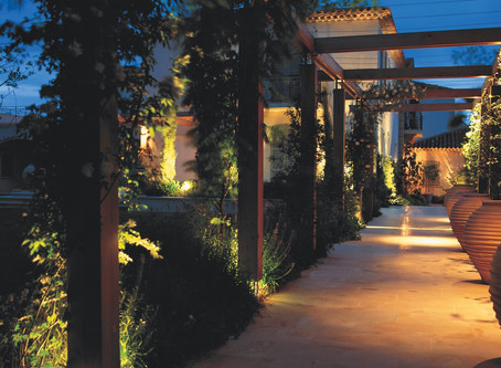 DRAMATIC PERGOLA - Invest in Landscape Lighting!