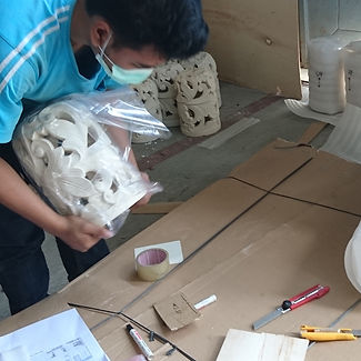 Lampu cover packing