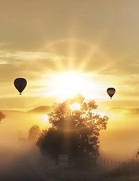 Heißluftballon im Himmel | Sunrise-edited