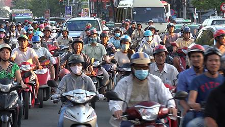 vietnam-busy-traffic-scene-motorbike-rid