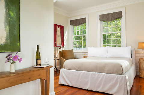 CranberryMeadow-Interior-Bed-Currier-1.j