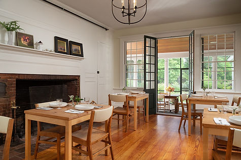 CranberryMeadow-Interior-Common-Dining-1