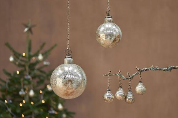 Giant ometti bauble
