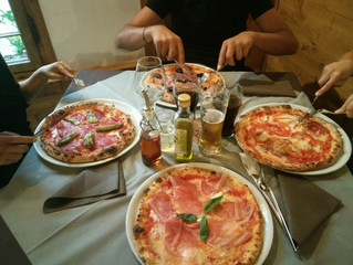 มาทานพิซซ่ากันค่ะ....