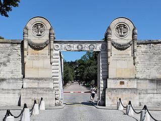 1700: A vida de Luisa na França