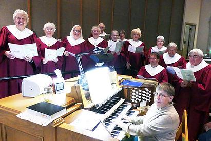 Park Church Choir surrounding orgnanist
