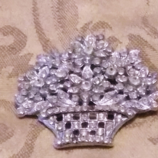 Tree Top Broach with Clear crystal_edite