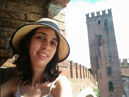 Apresentando Autores - Ana Paula Toledo