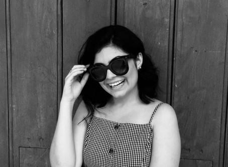 Apresentando Autores - Gabriela Bernardes