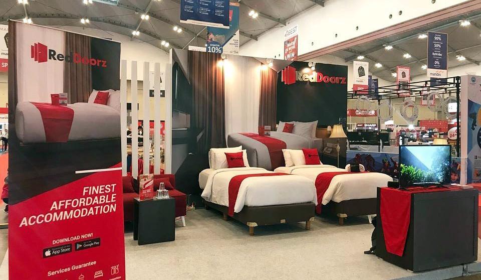 RedDoorz Booth