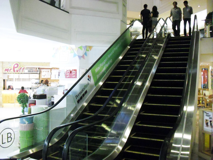 Escalator Branding - Permata Bank by Quickprint