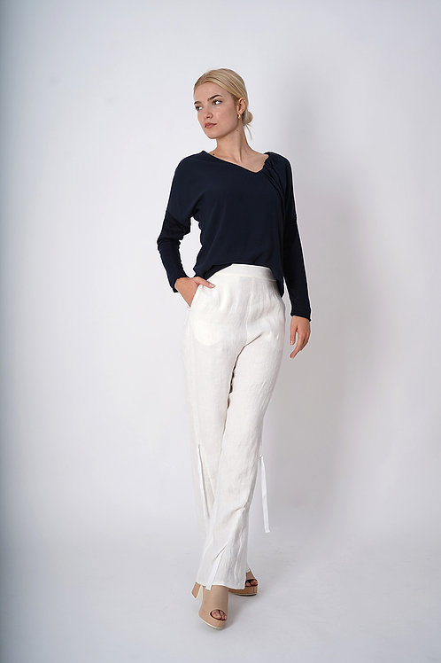 Long Sleeve Top with Collar Draping in Navy