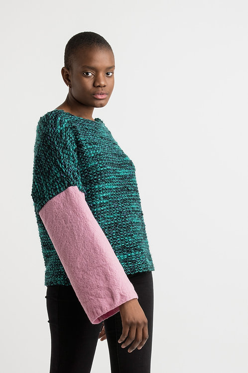 Petrol bouclé sweater with pink sleeves