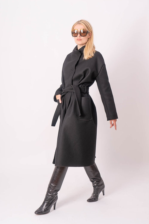 Coat in Black Wool