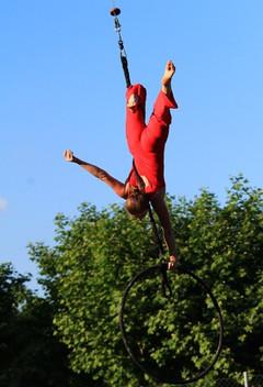 Drôle_de_cirque_cerceau2-min.jpg