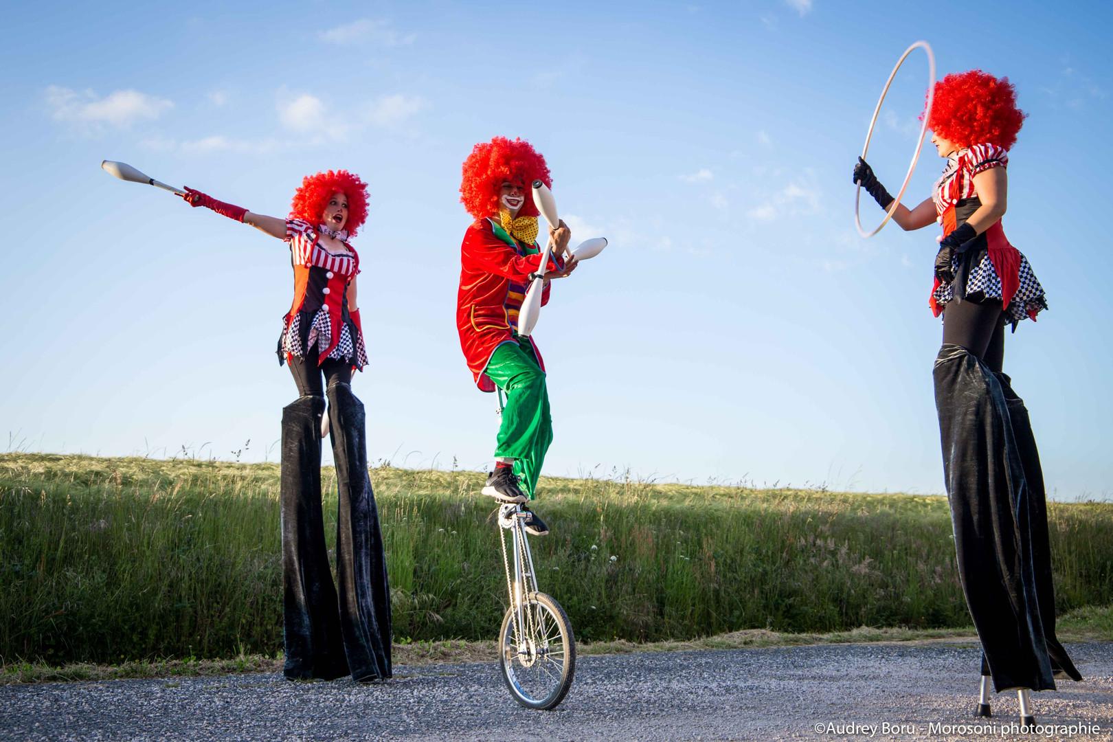 deambulation-clown1-cirkomcha-min.jpg
