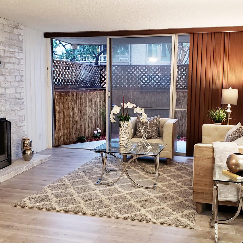 1_living room