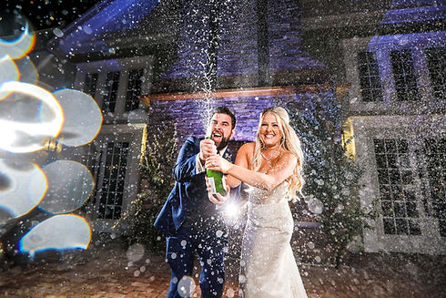 Awesome Wedding Photo Champagne Gorgeous Fun Wedding Photography