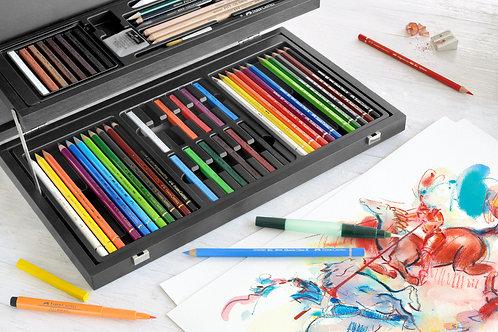 Trækuffert med kunstnerfarver og -kridt