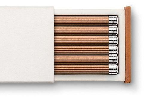 Blyanter i rillet cedertræ med sølvhætte Graf v. Faber-Castell***