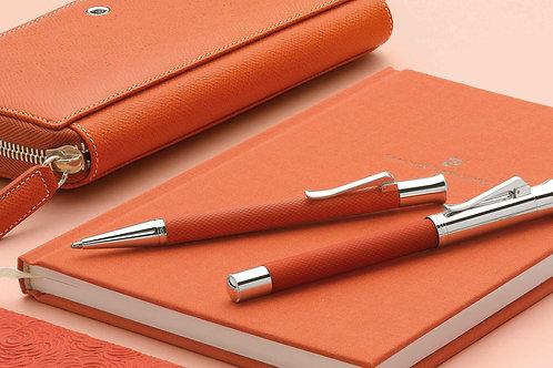 Notesbog A5 i farver der matcher Guilloche serien. Vælg farve ***