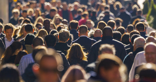 Crowd%20AdobeStock_232676778_edited.jpg