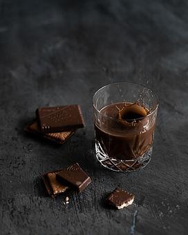 chocolate-drink-near-chocolate-bar-32064