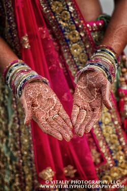 Indian wedding henna mehndi hand painting vitaliy photography Cleveland OH 02 co