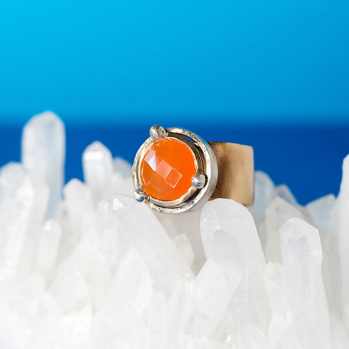 CORONA | Ring | Bronze - Carnelian