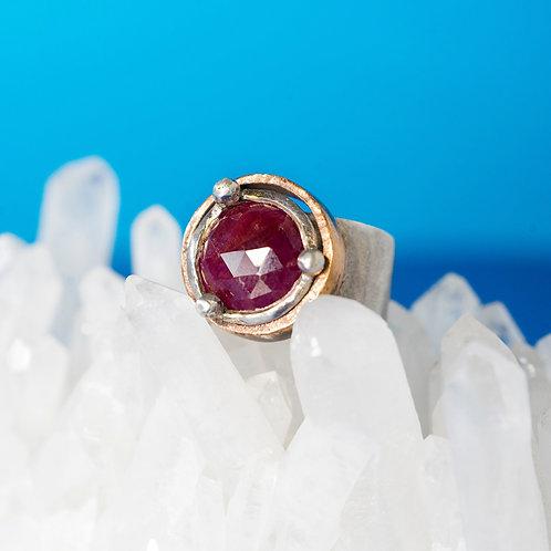 CORONA | Ring | Silver - Ruby