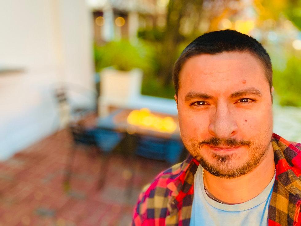 Ricky 2021 Headshot.jpg
