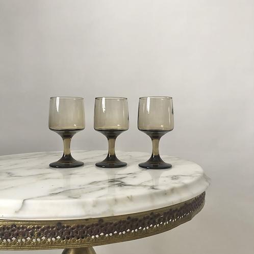Set of 3 vintage 70s smoky wine glasses