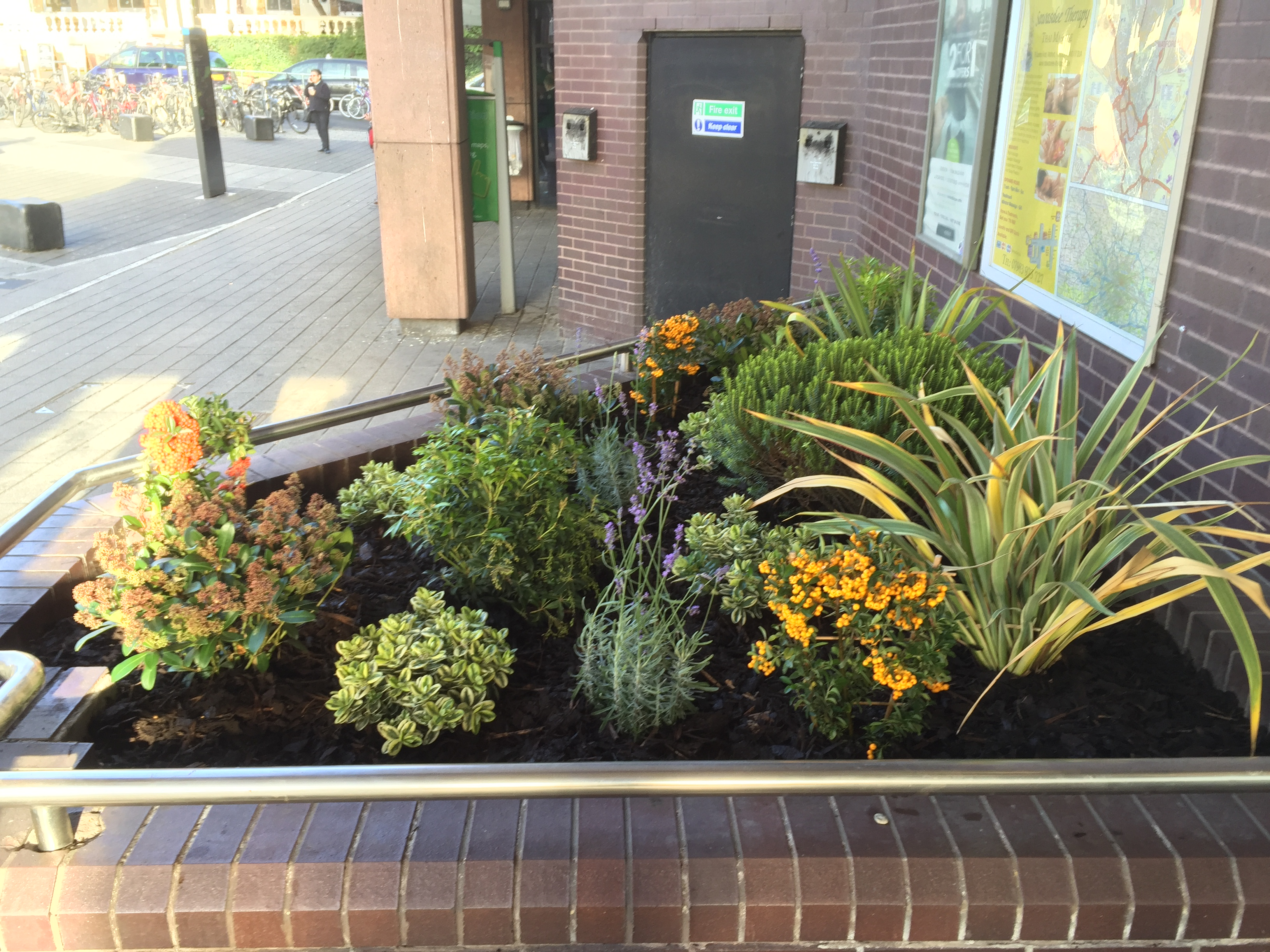 Build in flower beds in offices