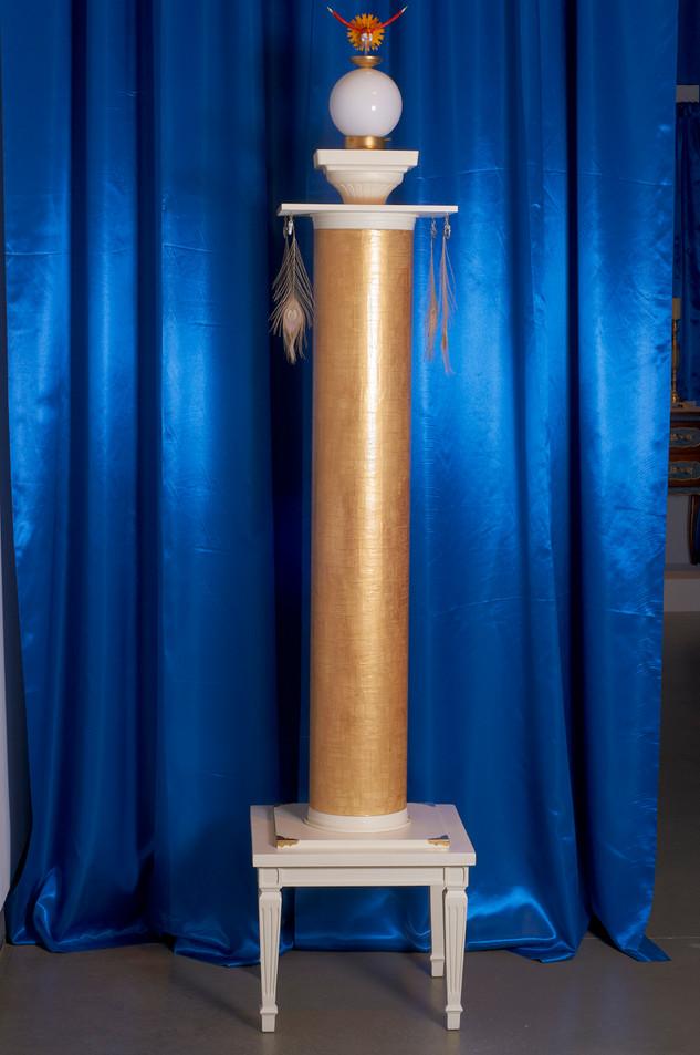 Pillars of Creation (Gold; installation view), 2015.