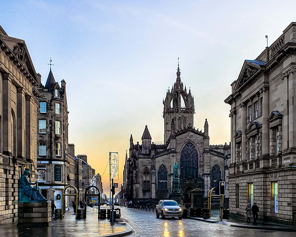 Edinburgh's Royal Mile and St Giles Cathedral