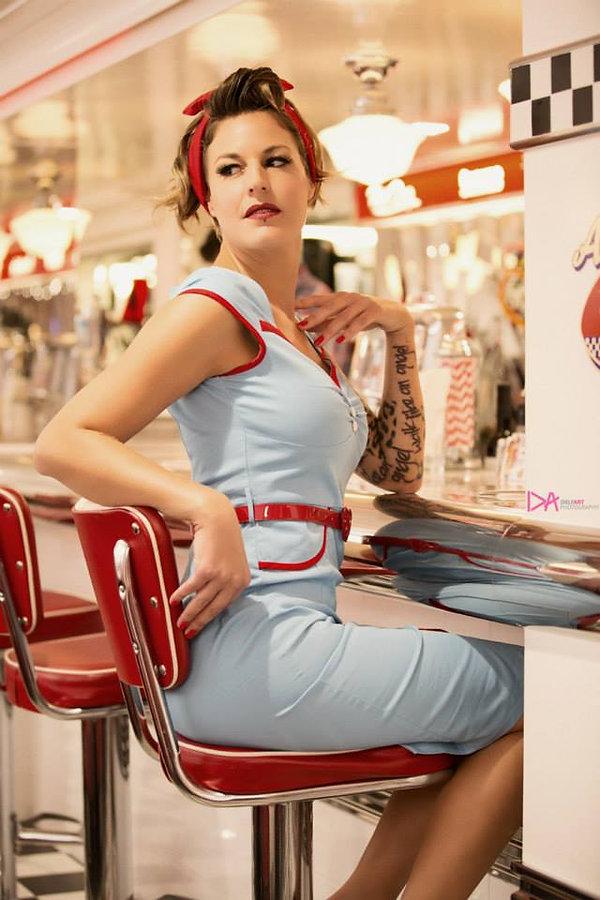 Shooting photos à l'American Dream Diner - Photographe : Delfart Modèle : Delphine