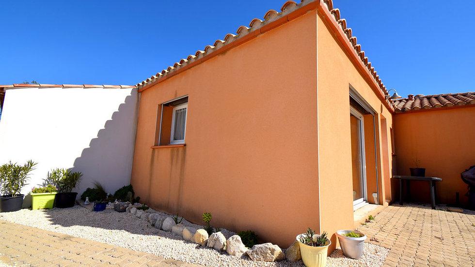 MAISON 105 m² 3 chambres garage Grande pièce de vie à 6km de SIGEAN proche mer