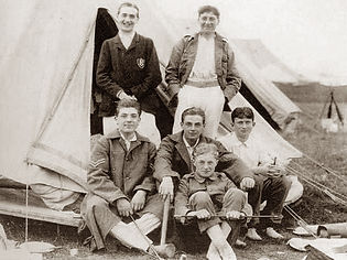 Roland Leighton and Soldiers.jpg