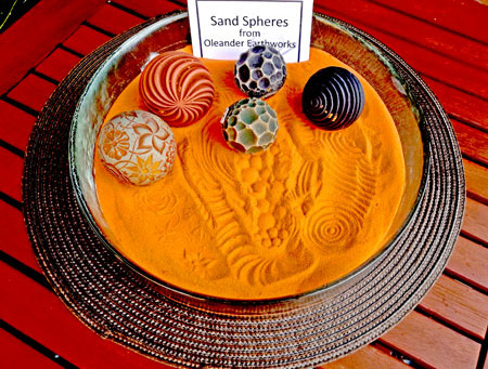 Sand Spheres Make Mesmerizing Gifts