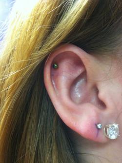 cartilage piercing, flat
